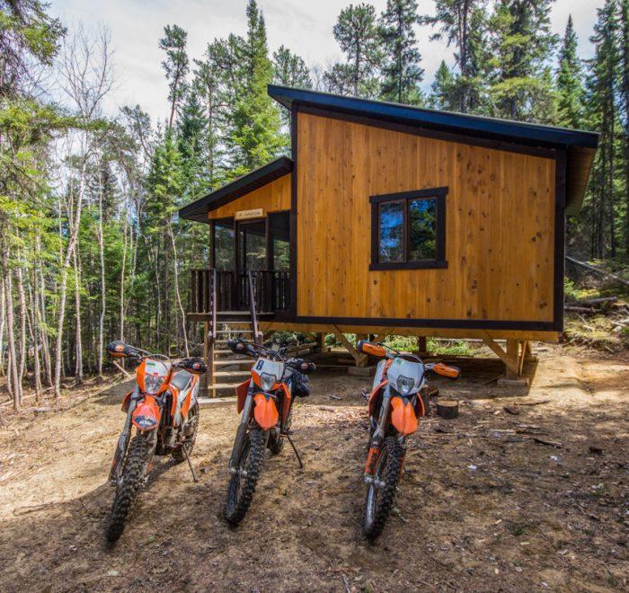 Refuge Amisk - Moto enduro trail KTM
